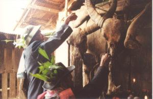 Ritual für Dorfgeister bei den Rmeet © Guido Sprenger