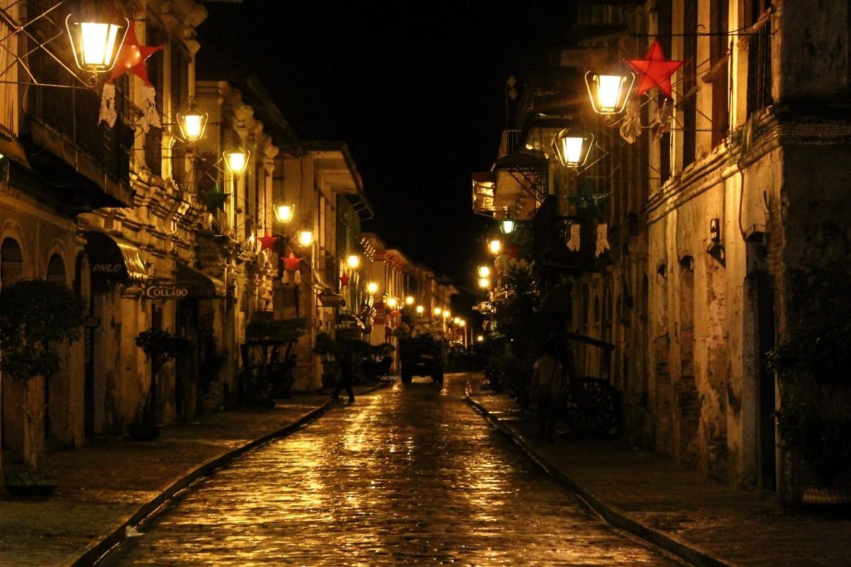 Die Stadt Vigan nach Einbruch der Dunkelheit: Die Ilocano-Nacht im 19. Jahrhundert war eine Zeit der Interaktion zwischen der übernatürlichen und der natürlichen Dimension © lizenzfrei, Quelle: xphere