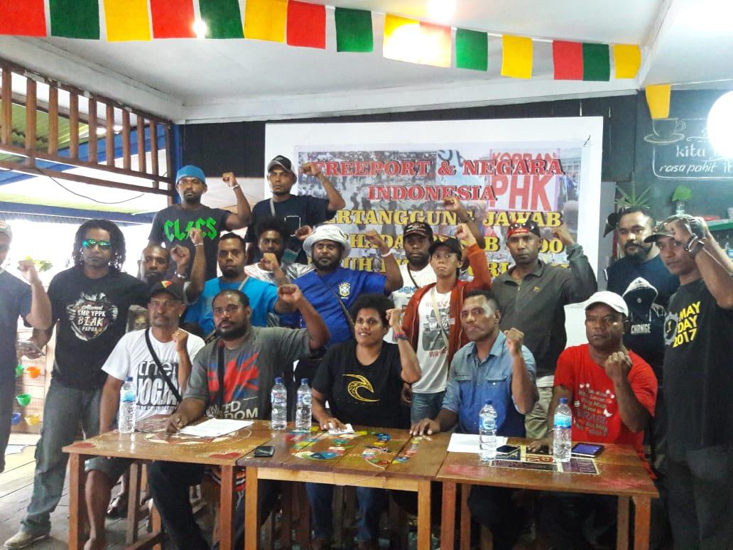 Foto nach der Anhörung der Arbeiterinnen durch die Ombudsperson in Jayapura © Tri Puspital