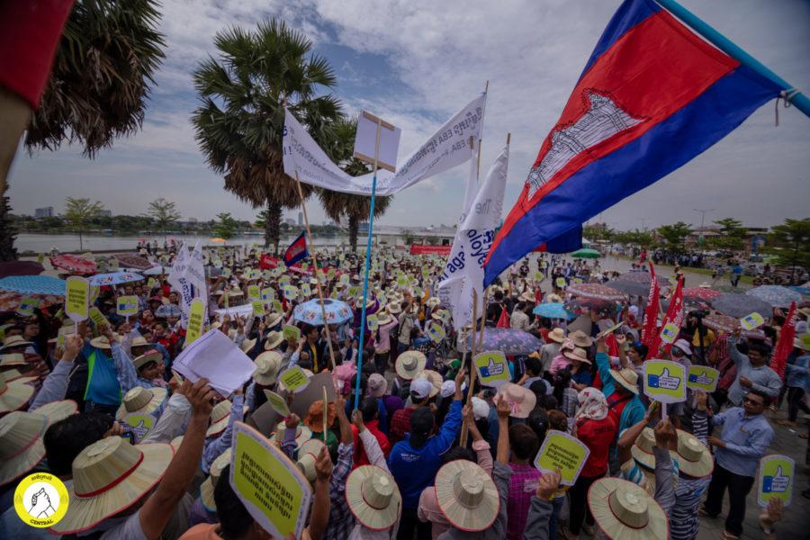 Es schlossen sich immer mehr Teilnehmer*innen der 1. Mai-Demonstration im Freedom Park an, wenn auch weit weniger als erwartet © Central