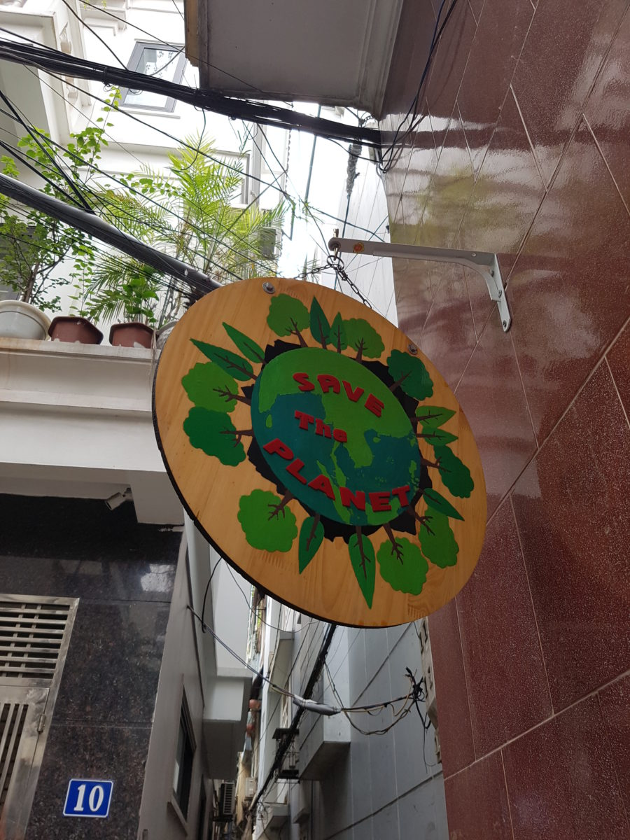 Schild am Zero Waste Laden Hanoi © Julia Behrens