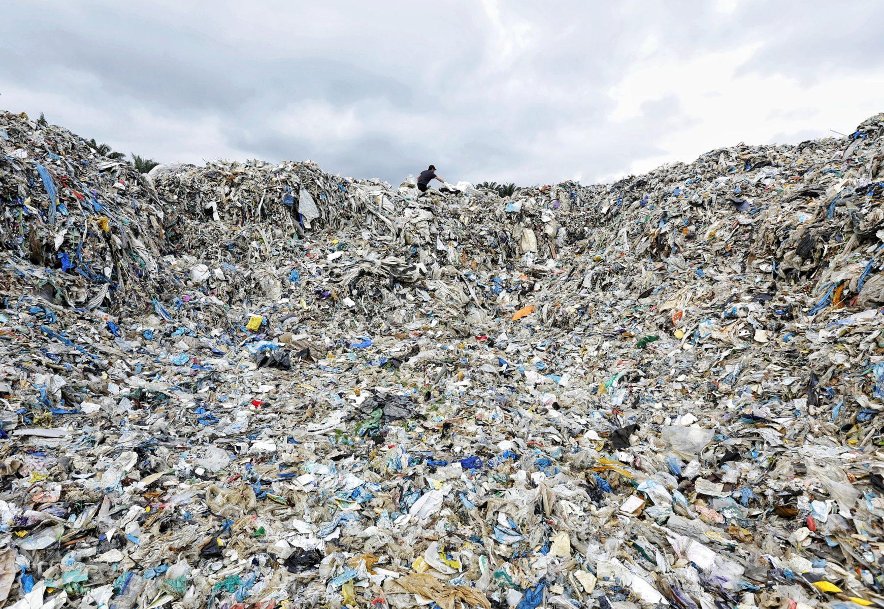 Ein Berg aus Plastikmüll © Greenpeace Malaysia