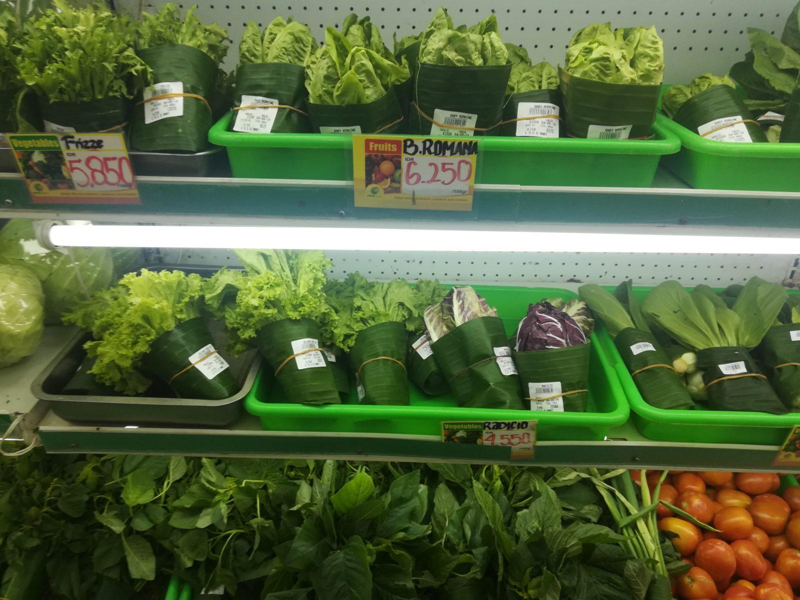 Supermärkte steigen bereits auf Bananenblätter als Verpackungsmaterial um © Svenja Hübinger