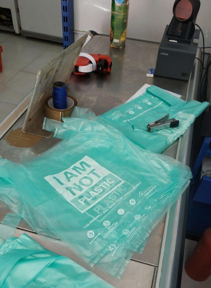 Eco-bags im Supermarkt © Philip Ray