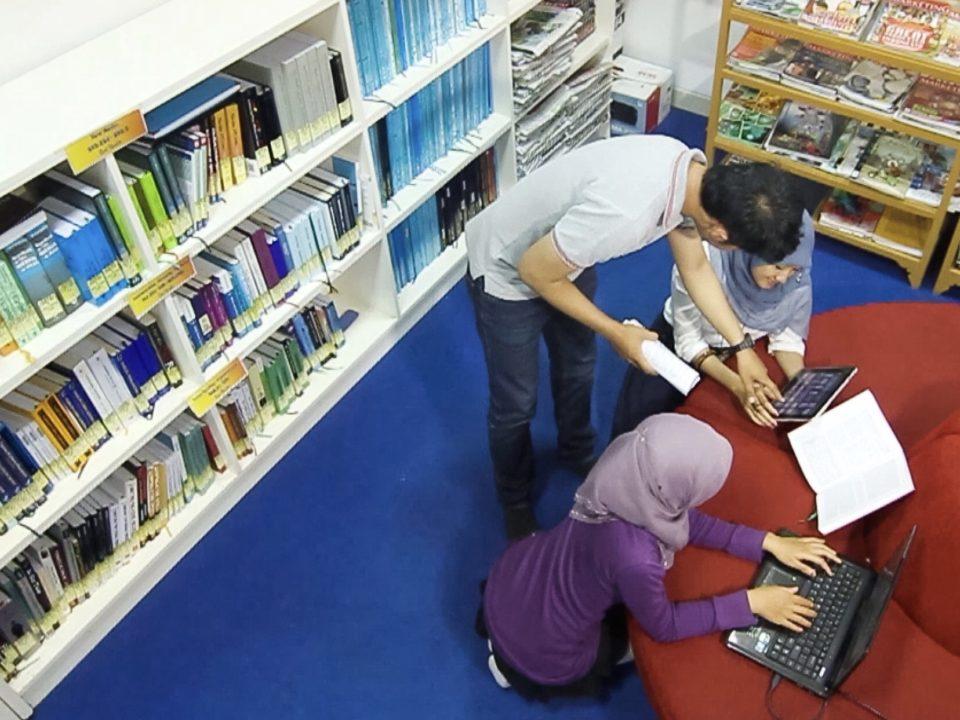 Im indonesischen Bildungssystem wird bisher nur unzureichend kritische Medienkompetenz gefördert © Wulan Widyasari