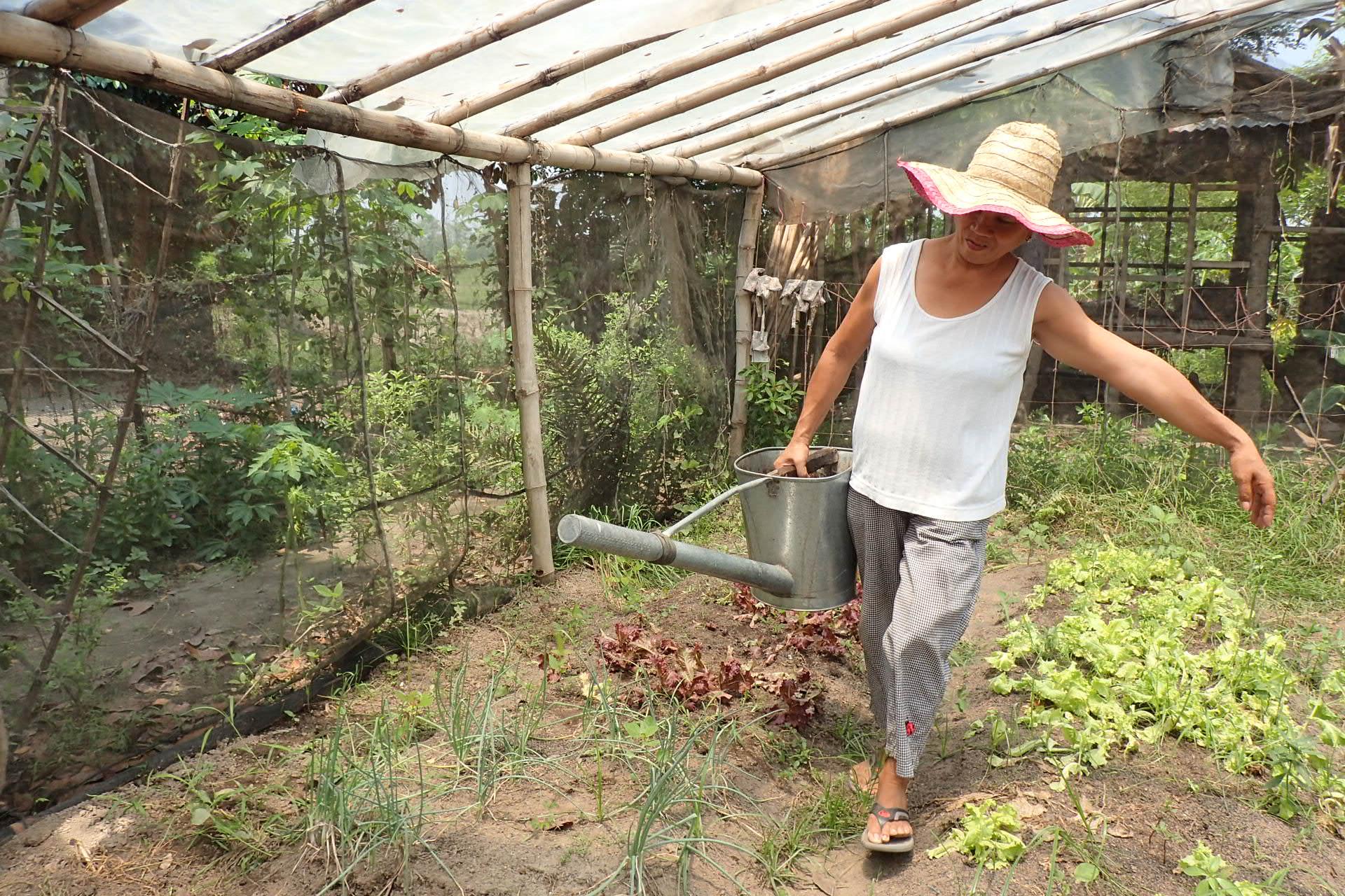 Drei.Castillo.Philippines.Womenswork.jpg
