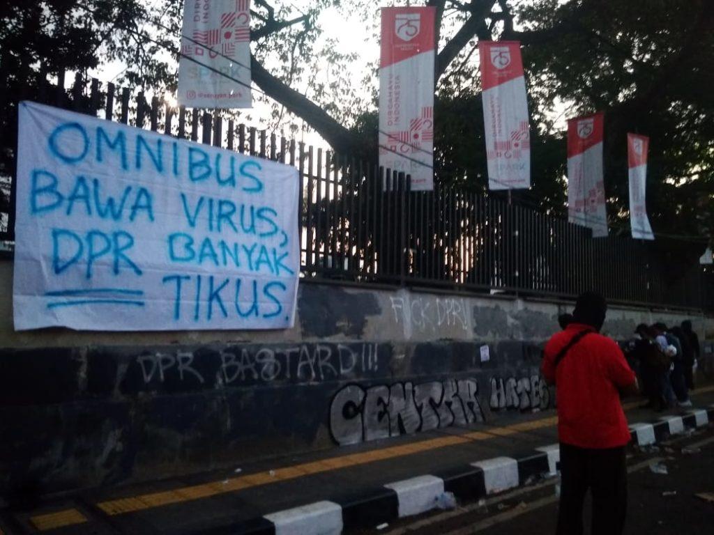 Covid-19 und das Omnibusgesetz in Indonesien